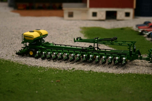 Keeping Current With 1 64 John Deere Db90 Planter